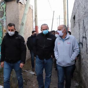 Plan Detectar: El intendente Grindetti y el ministro Berni recorrieron juntos Villa Sapito