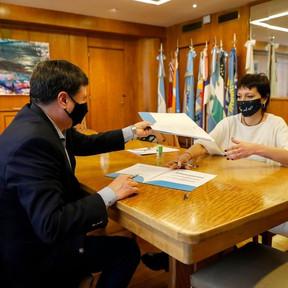 Convenio entre Quilmes y Nación para la entrega de maquinarias y herramientas para emprendimientos