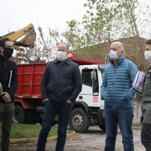 Insaurralde y Grindetti recorrieron obras de pavimentación en la zona limítrofe de Lanús y Lomas