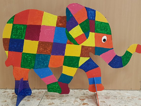 Baby-Elefanten-Herde