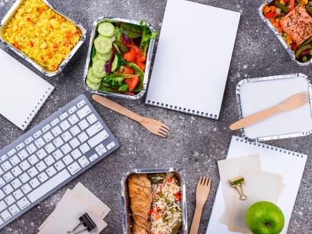 6 malos hábitos comiendo en la oficina