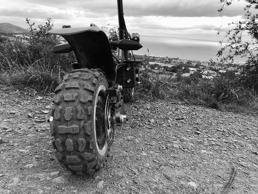 Scoot_low.jpg