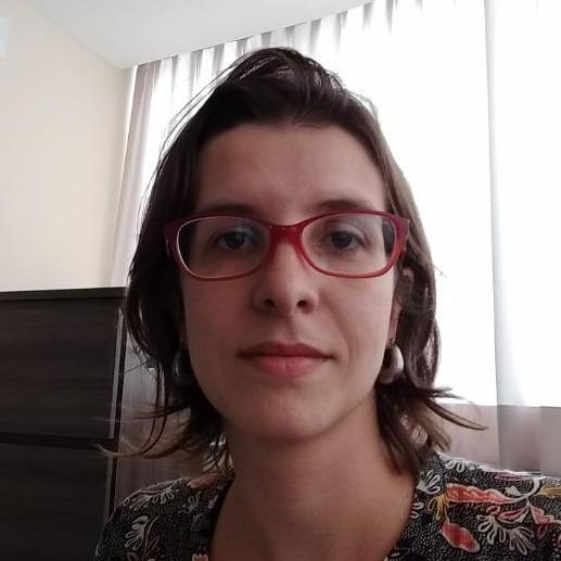 Dra. Cláudia Coimbra