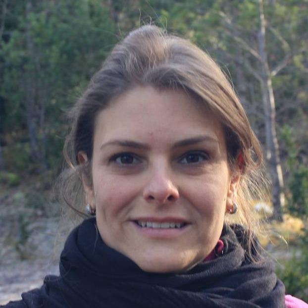 Dra. Ana Carmem Oliveira