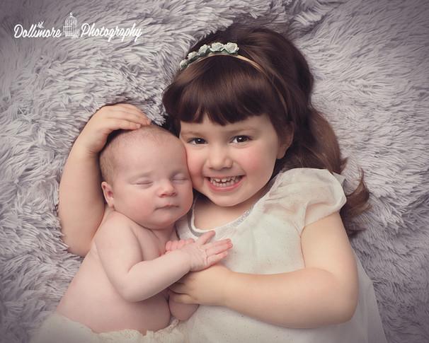 baby-and-bigsister.jpg