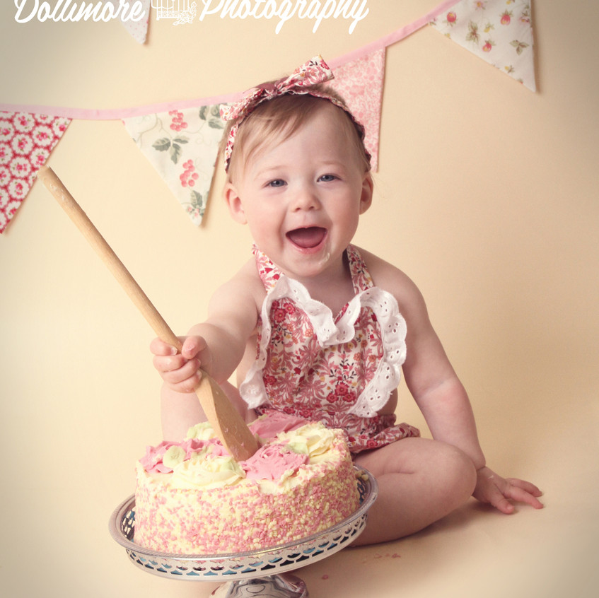dollimore-photography-baby-cake-chester