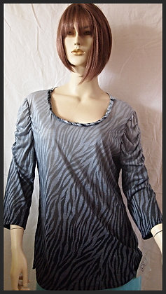 long sleeved top by Cubism size xl