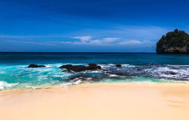 Diamond Beach on Nusa Penida