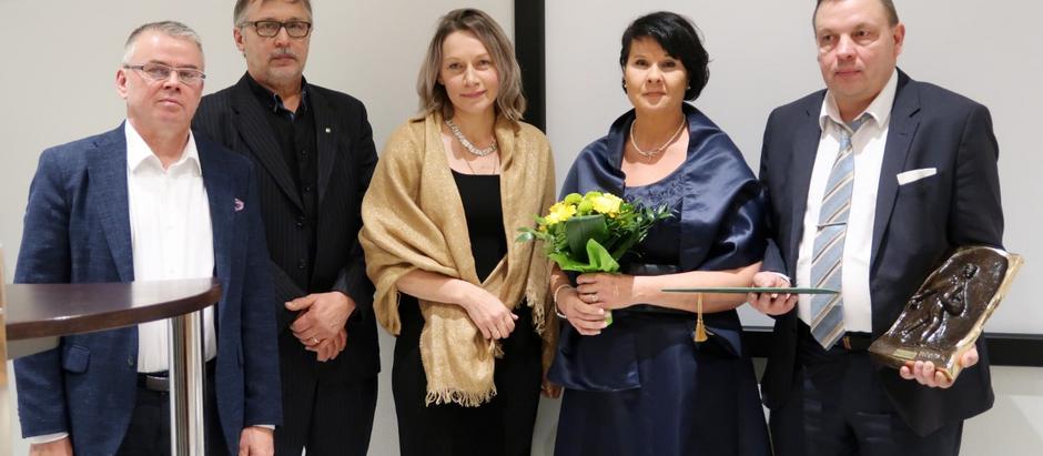 Nivalan yrittäjäpalkinto 2019 Natural Indigo Finland Oy:lle. – Palkinto tuo valtavasti intoa jatkoon
