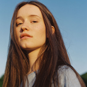 Sigrid talks the end of her US tour and memes