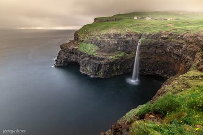 Faroe Island - Gasadalur waterfall