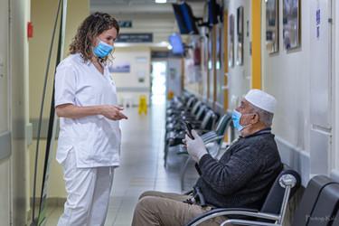 Covid 19 - nurse with patient