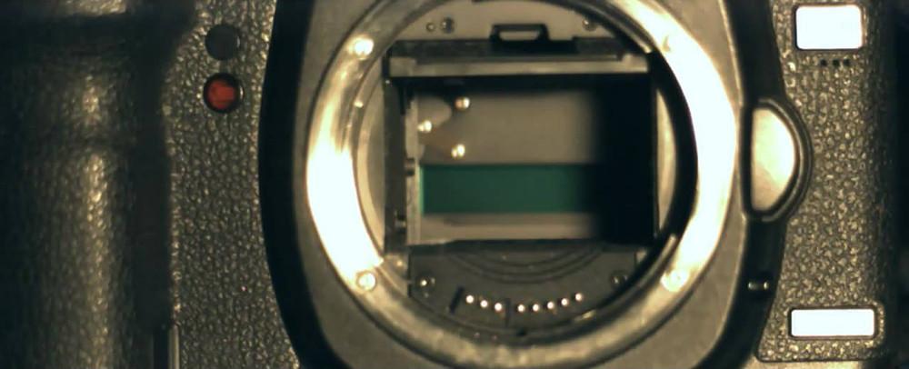 סגר בפעולה במהלך צילום במהירות 1/1000 השניה