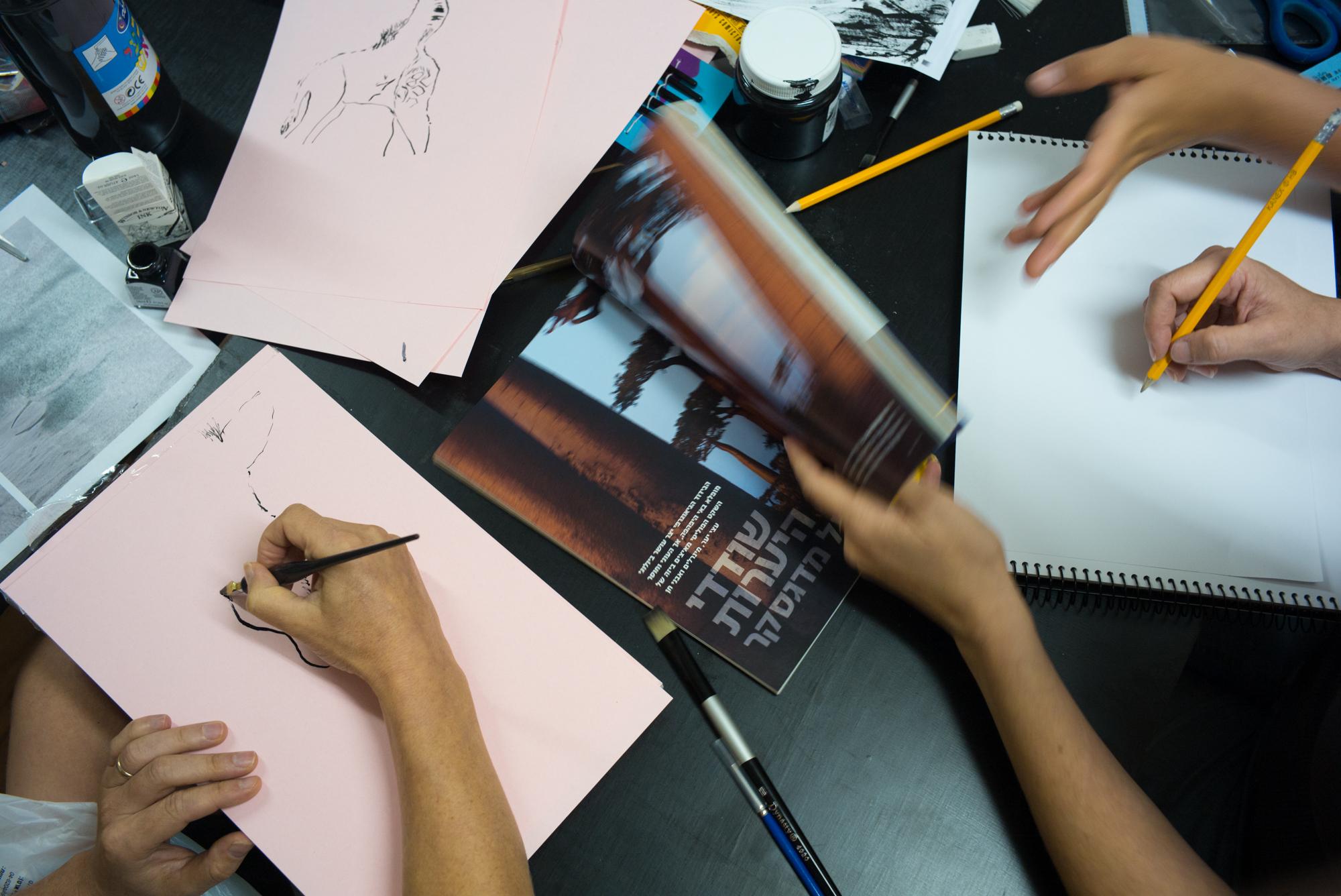 סדנת איור בקורס עיצוב גרפי