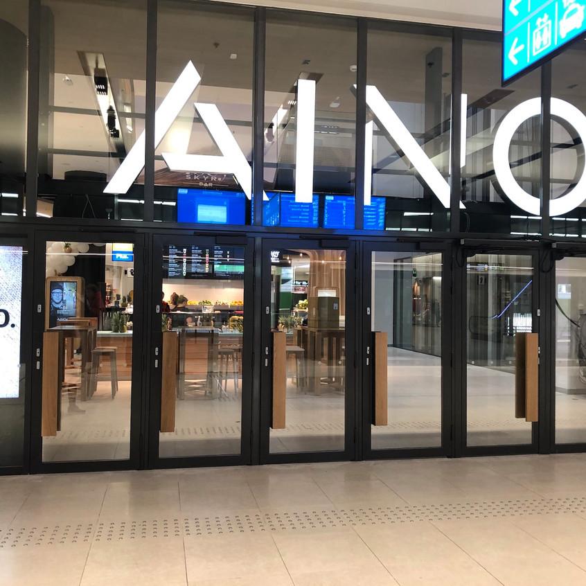 Näyteikkunanäyttö_Kauppakeskus_Ainoassa.