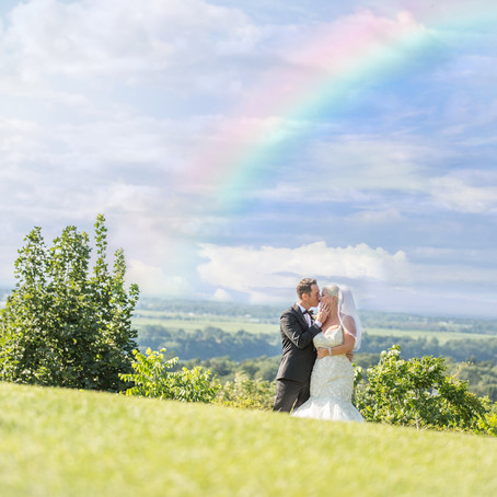 How to Not Have Cheesy and Fake Wedding Portraits
