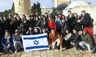 Nos élèves des plus grands(à Jérusalem) au plus petits ( à Marseille)vous souhaitent Chabath Chalom