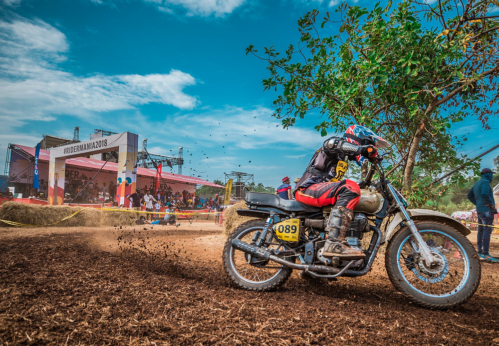 Ghost 2.0 Silencer on RE Bullet racing at Goa Ridermania