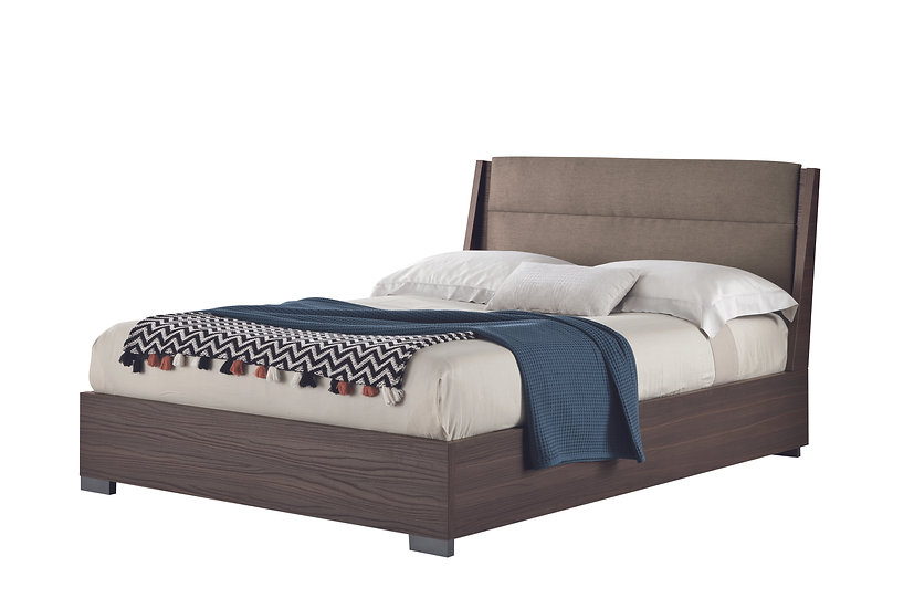 Dado-Dice Queen Bed