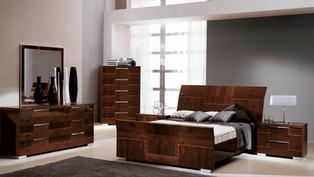 Pisa Bedroom