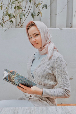 Holly - Hijabi Actress