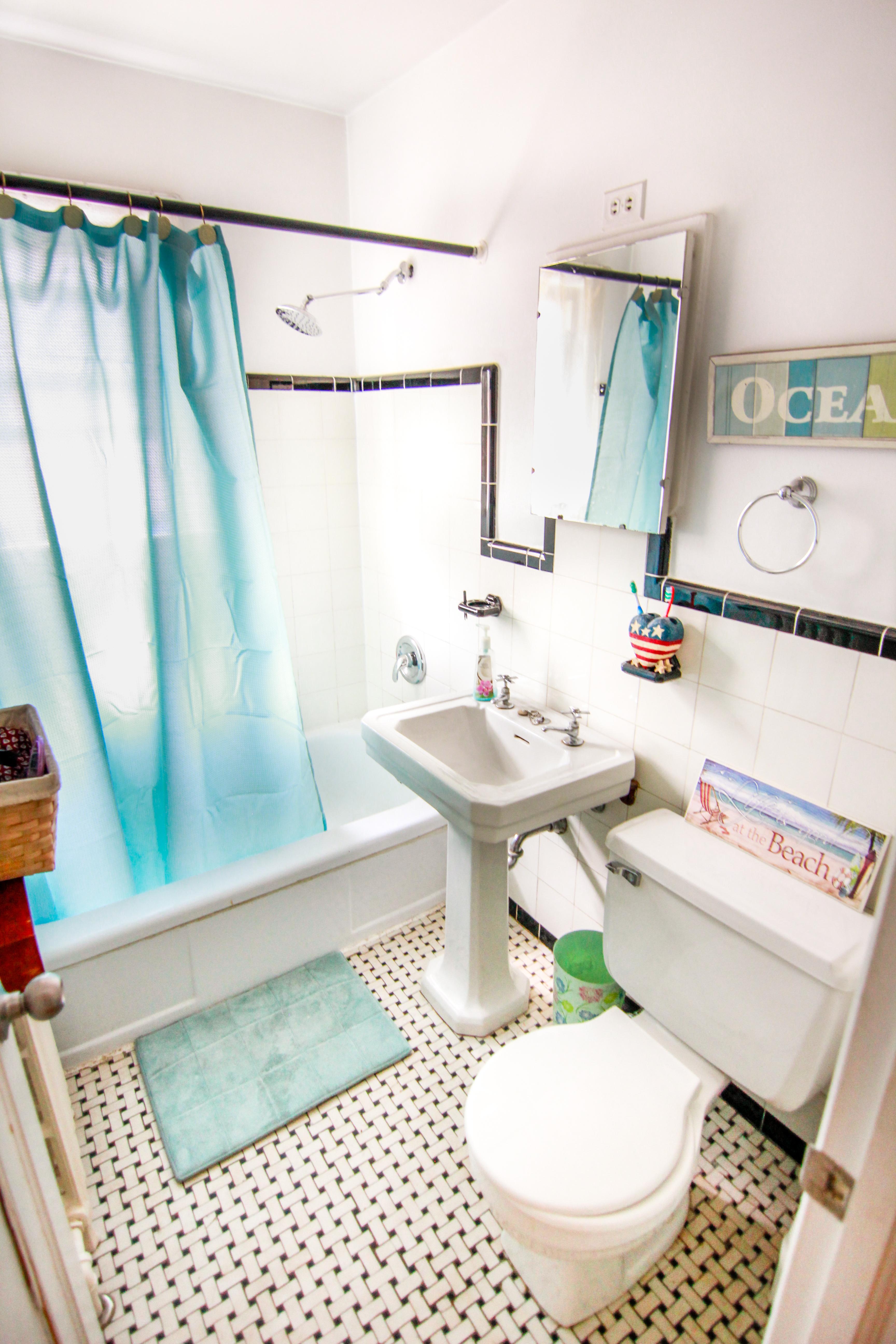 316-Blantyre Ave  - Bathroom