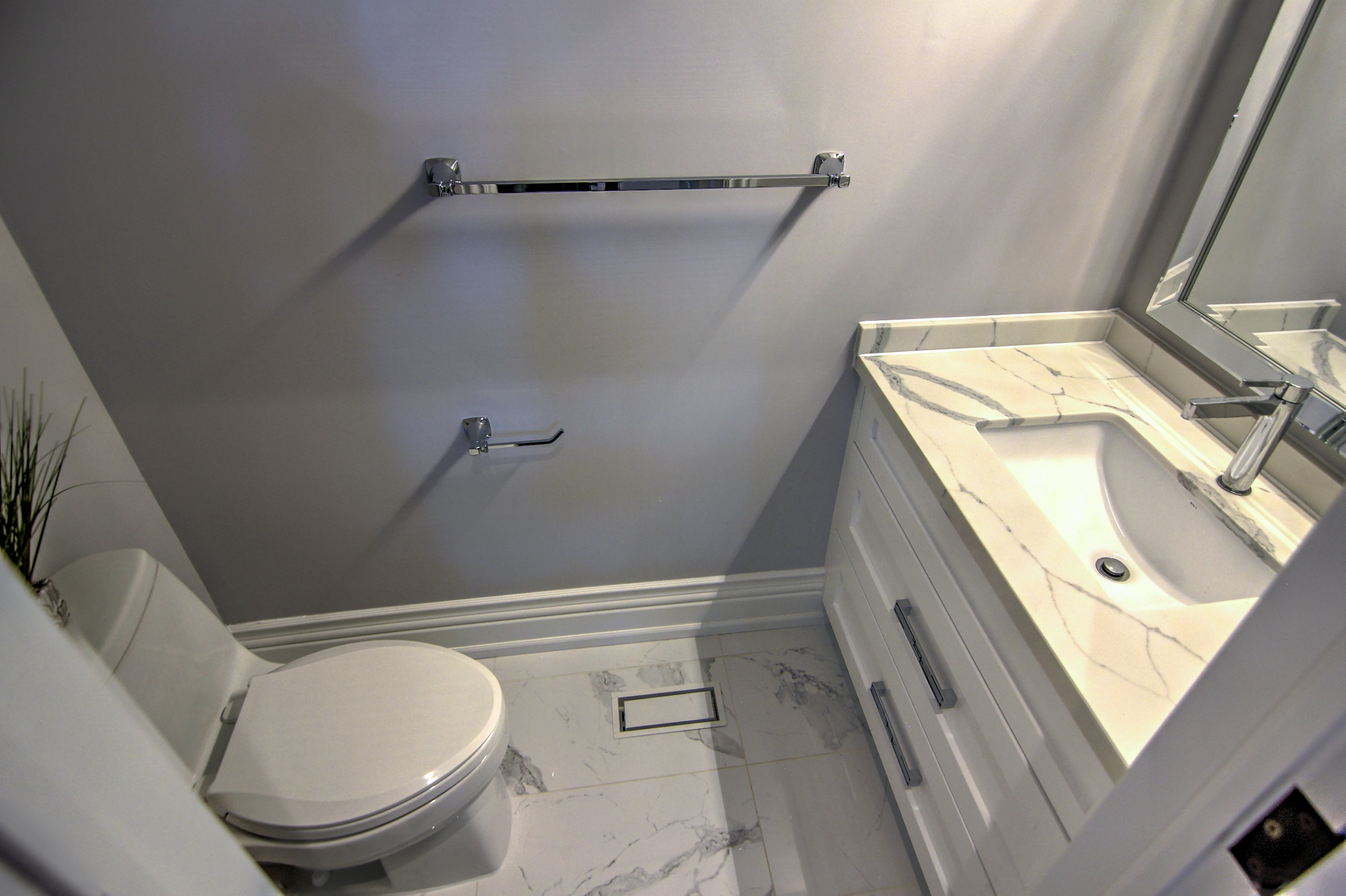 Landing Powder Room