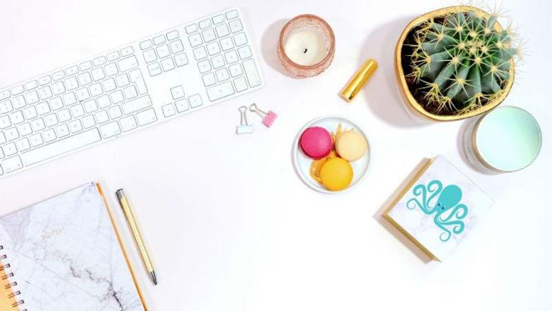 website virtual assistant desk @onlineoctopus.jpg