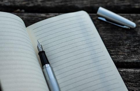 Pen op een onbeschreven pagina