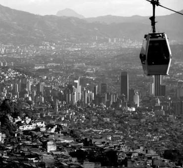 El espejo imposible. Cambios urbanos y políticos en Medellín