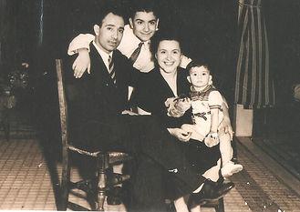 Familia Puig-Delledonne.jpg