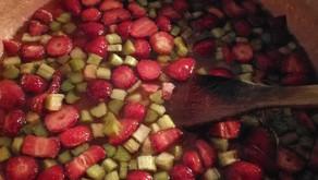 Confitures de rhubarbe et fraises