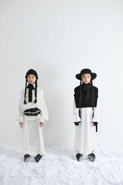 left: beanie, knit vest, knit pullover, knit pants right: bolero hat, arm warmer, knit vest, velours frill A line dress
