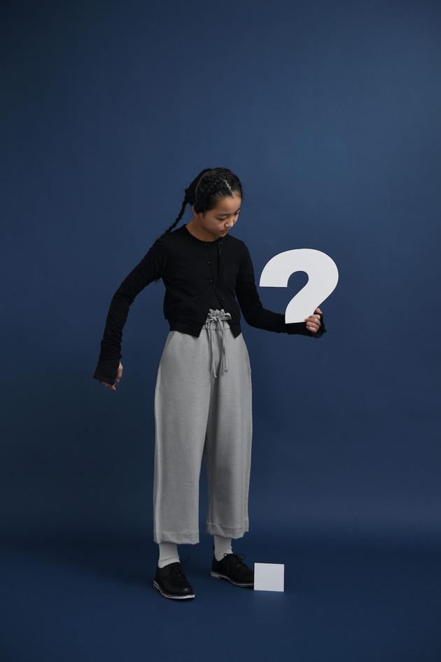 long sleeved tee, big pants, plain shoes