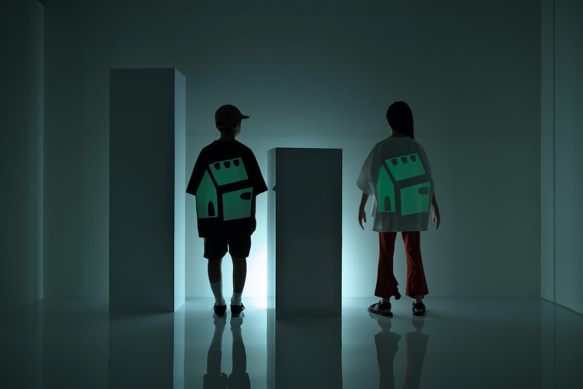 boy: baseball cap, luminous tee, line short pants, double monk strap shoes girl: luminous tee, flared frill pants