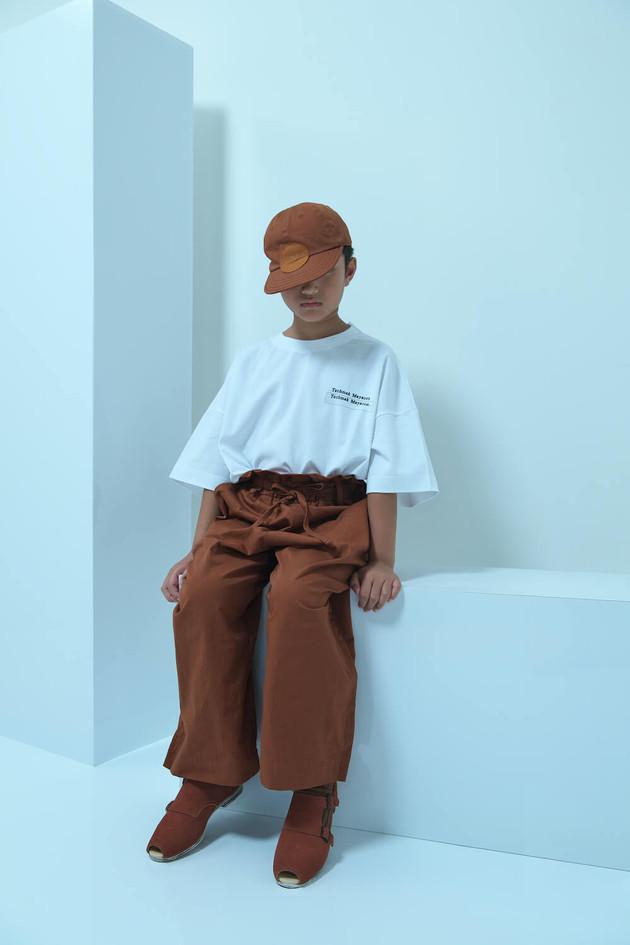 baseball cap, omajinai tee, big pants