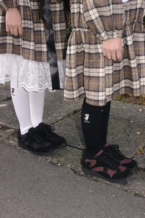 left: teddybear lace check long skirt, over-knee teddybear socks, metelassé sneakers right: check mini dress, over-knee teddybear socks, metelassé sneakers