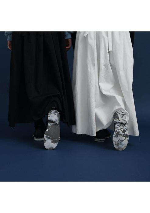 apron long dress, plain shoes
