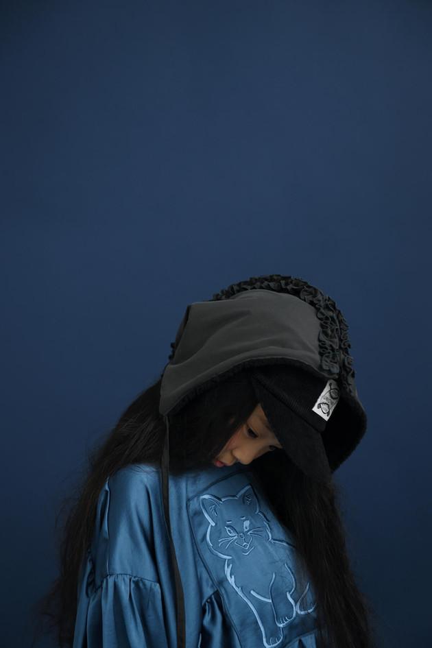 water resistant hood, cat blouse