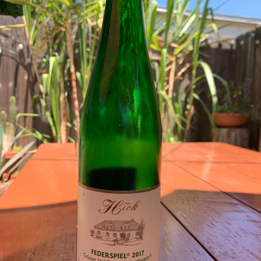 Delicious dry, juicy green apples Grüner Veltliner perfect for San Diego's summer weather
