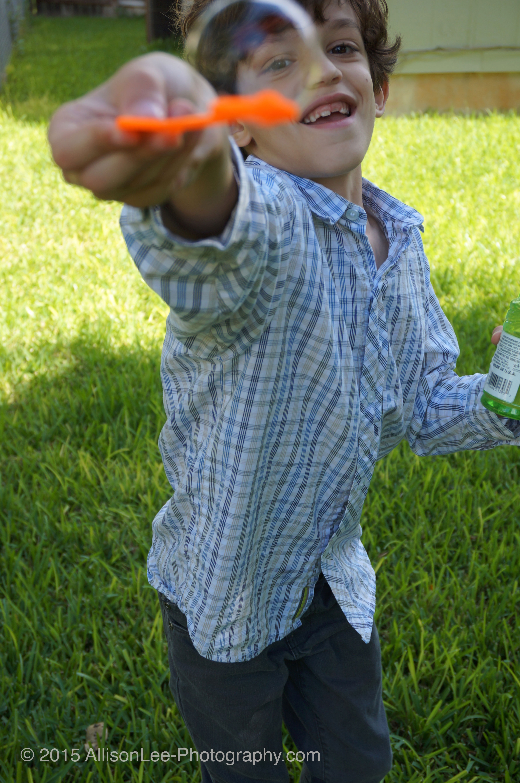 Allison Lee Photography-candid family photos- Austin, TX- Kids-Bubbles.jpg