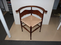 Rushed corner chair