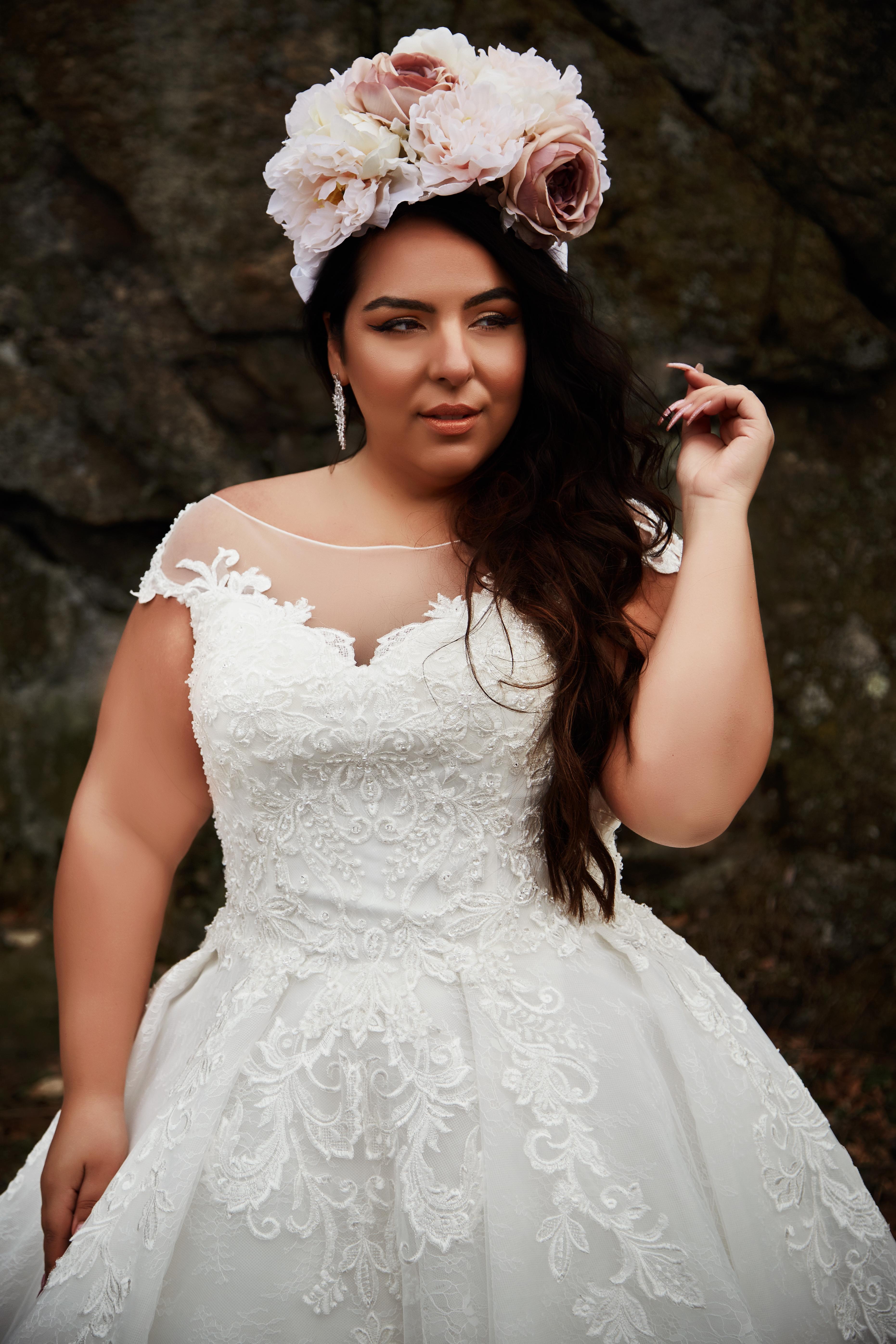свадебные платья больших размеров Салон