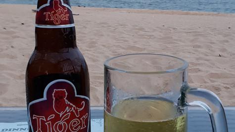 Tiger Beer zum Sonnenuntergang