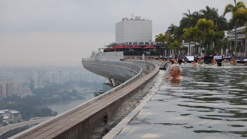 Marina Bay Sands , Infinity Pool