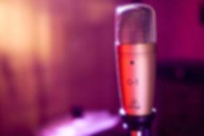 microphone-3351066_1920.jpg