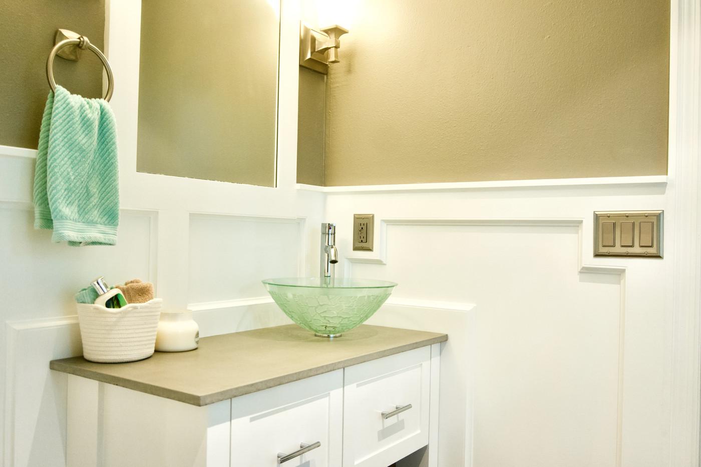 Beach Themed Bathroom With Concrete Vanity Top