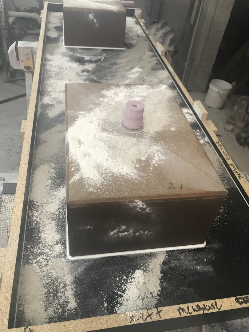 Concrete Vanity Mold With Two Integral Sink Molds - Powders