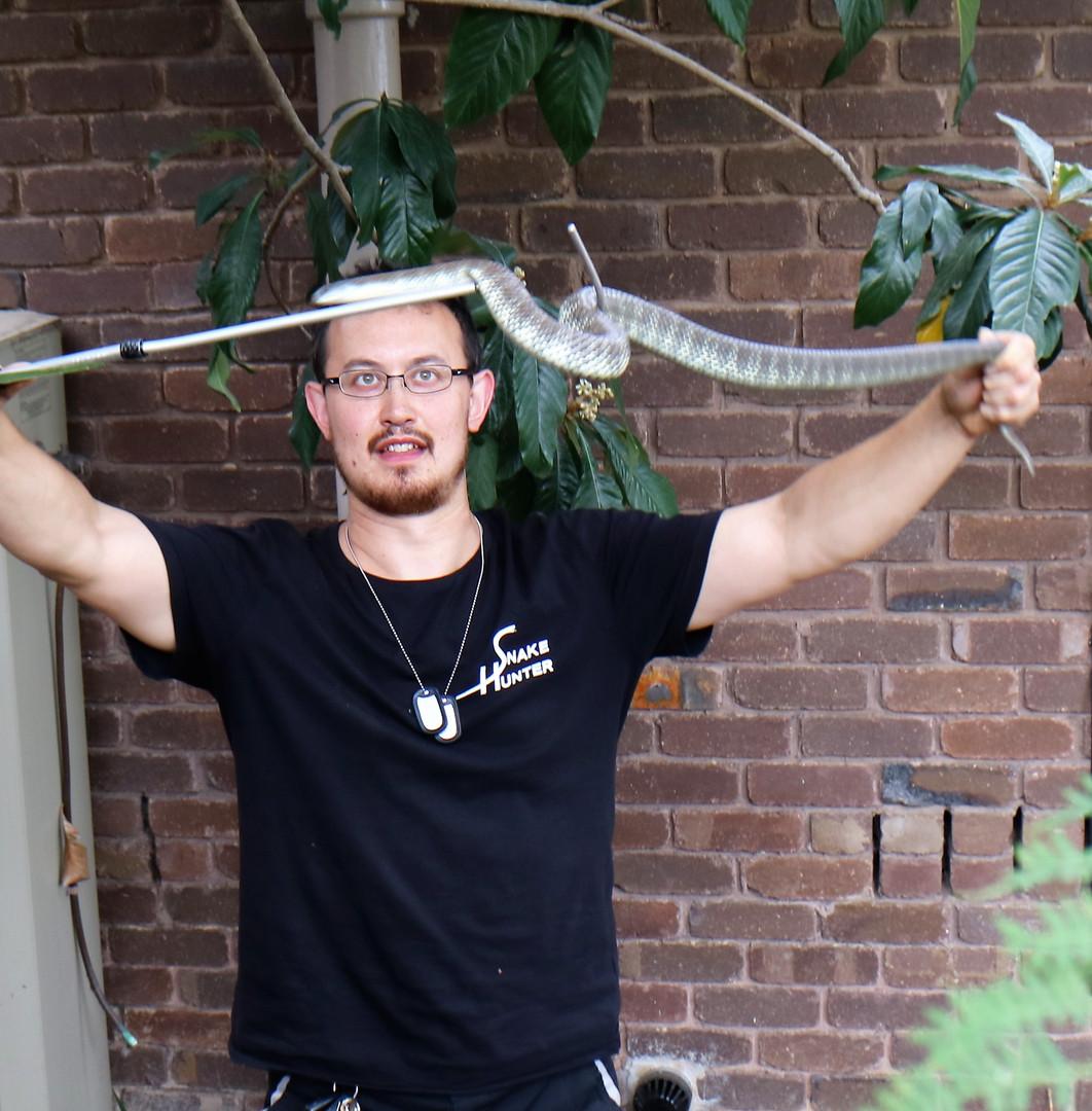 Snake Catcher Elthamk