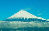 新幹線の中からの富士山です。静岡県民の誇りです。